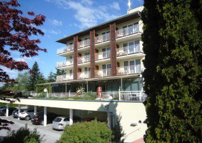 Terrassenüberdachung mit Sonnenschutz
